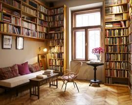 Massolit Books & Café