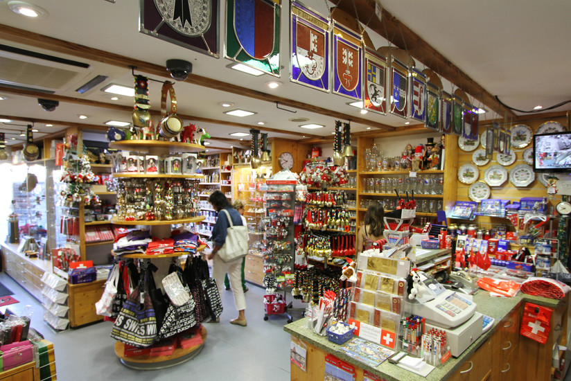 Teddyu0026#39;s Souvenir-Shop | Shopping | Zurich