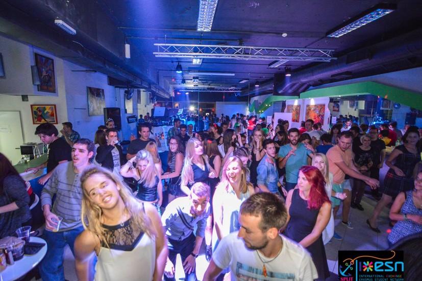 Centar plesa split nightlife split for Splity 3 en 1
